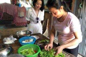 Naysim: Silk farm and Beef Lok Lak