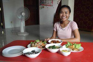 Loy: a strong modern Khmer woman