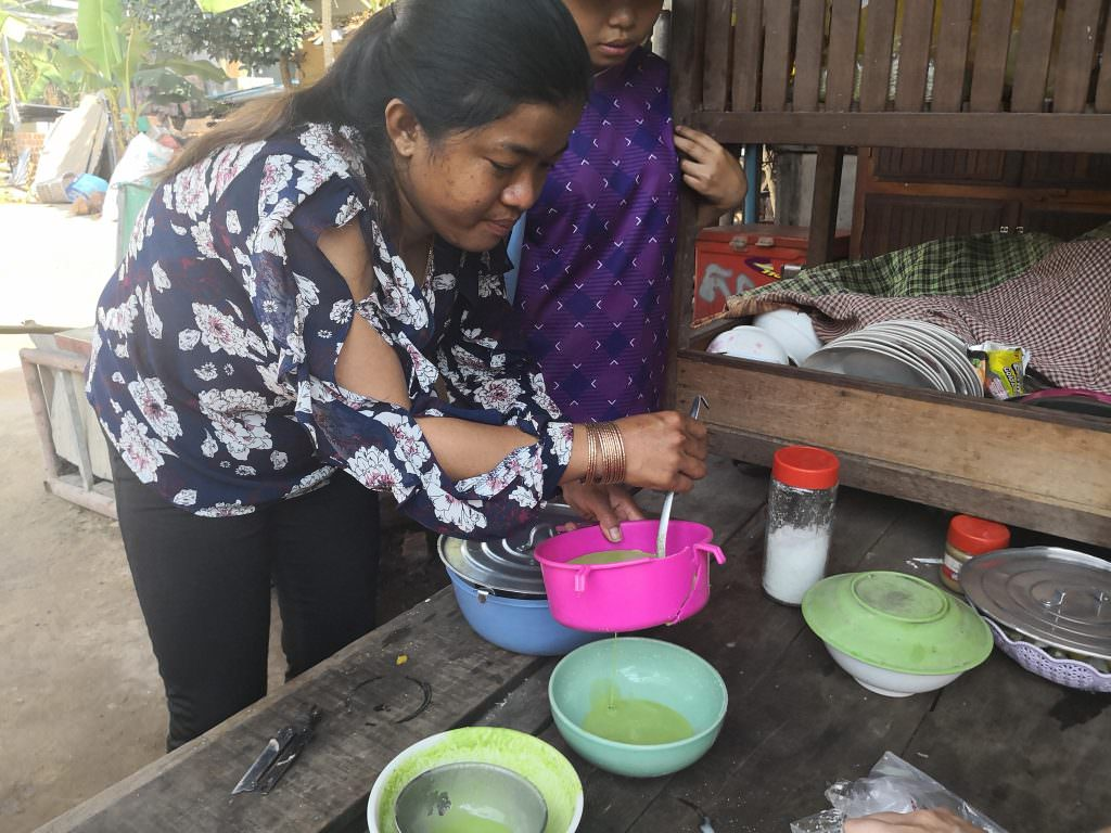 The family makes Khmer desserts in their home