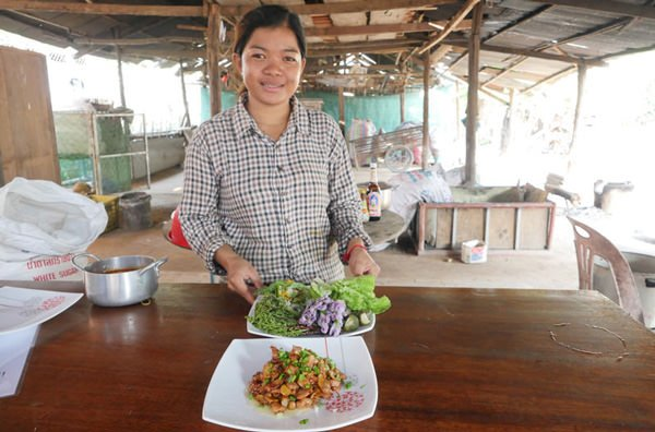 Sareth: Khmer hospitality, great food and desserts