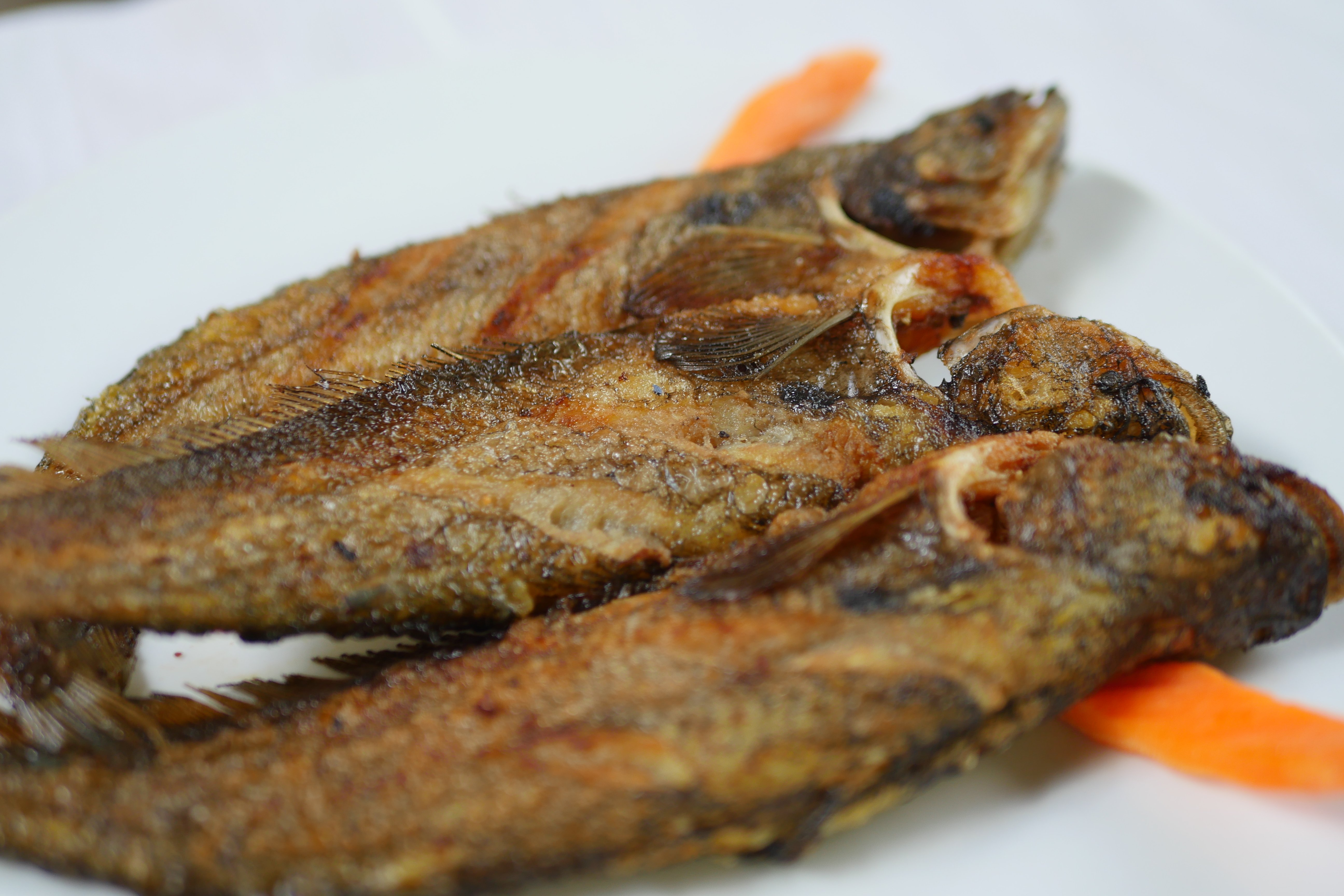 Fried river fish