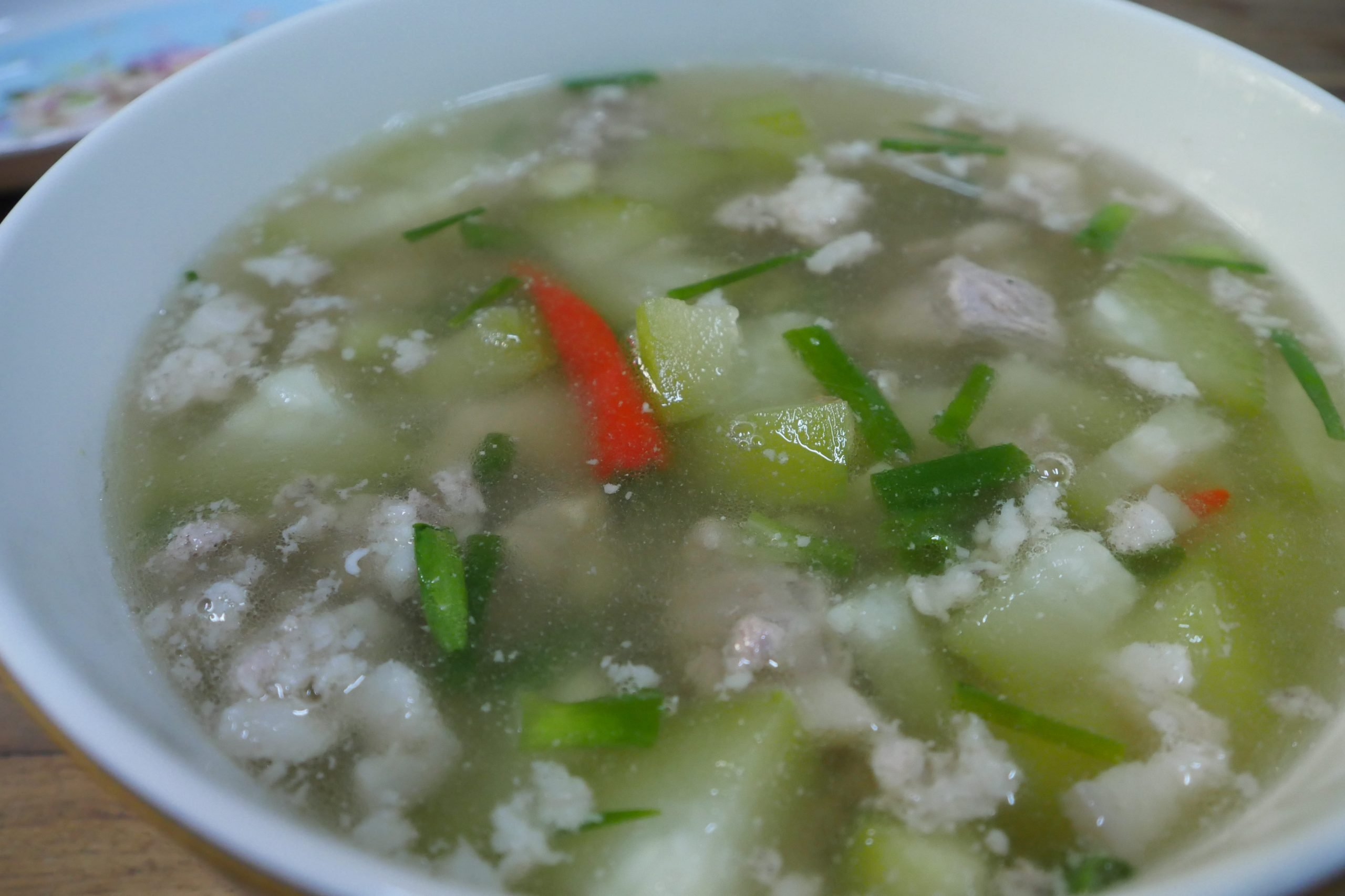 Soup with pork and gourd