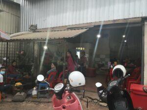 This Num Pang Saik Ko ang street food in Siem Reap shop is here since 30 years